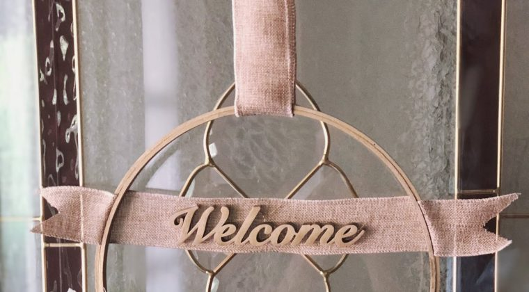 DIY Summer Embroidery Hoop Wreath